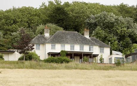 Mr bean la nuova fidanzata e due nidi d 39 amore da 5 for I piani rossi della casa del cottage