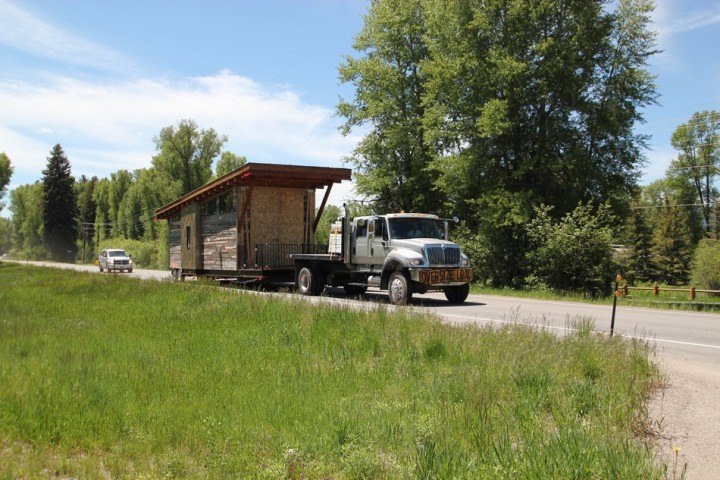 08-house-on-wheels-the-wedge-cabin2