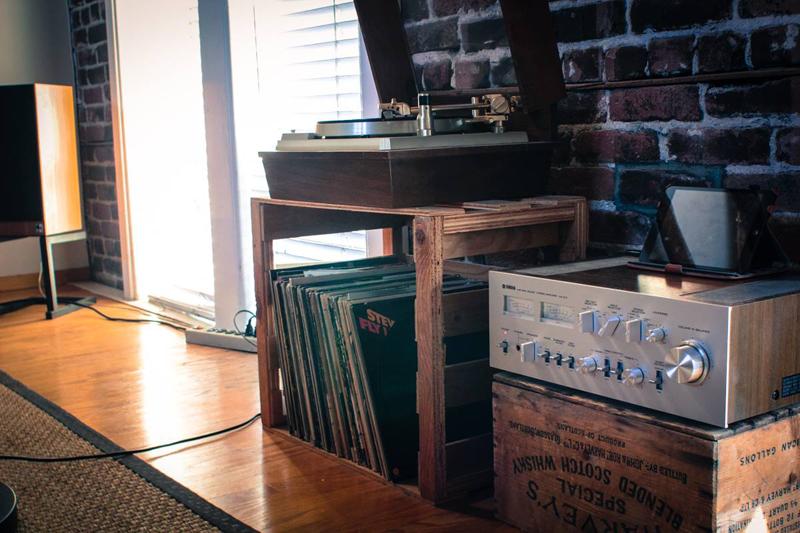 10 idee originali per organizzare l angolo musica for Stereo casa