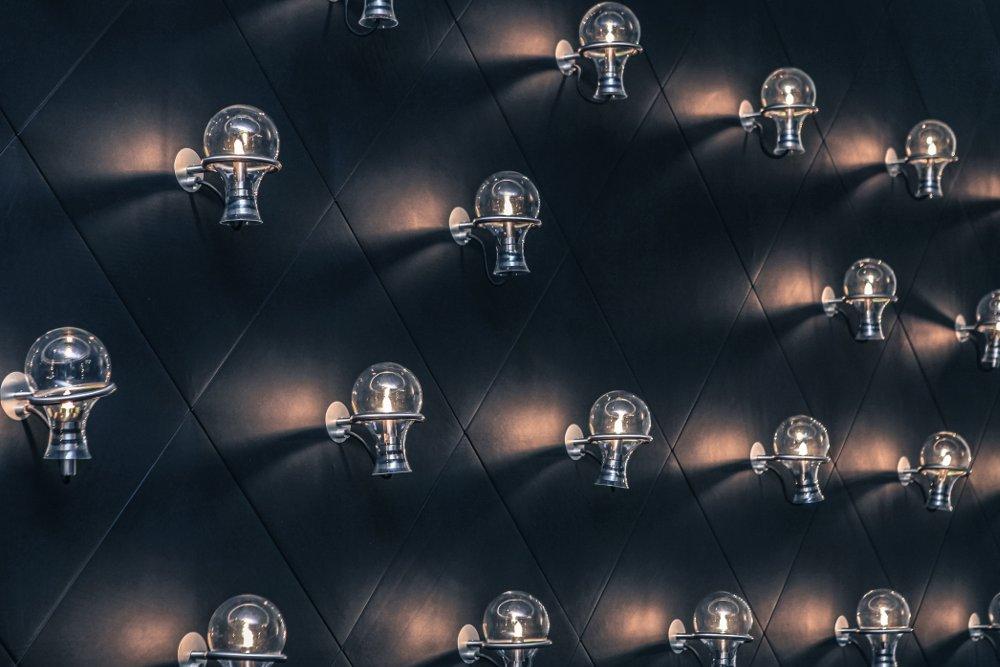 Semplici consigli per illuminare una stanza buia casa
