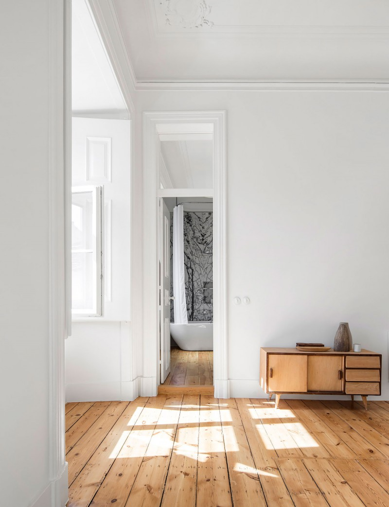 NANA-Apartment-in-Lisbon-by-rar-studio-Yellowtrace-01