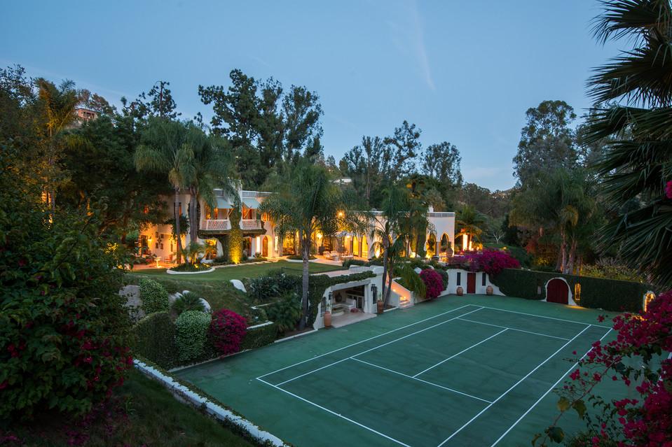 L 39 ex mega villa di cher e eddie murphy in vendita per 85 milioni - Piscina hidron campi ...
