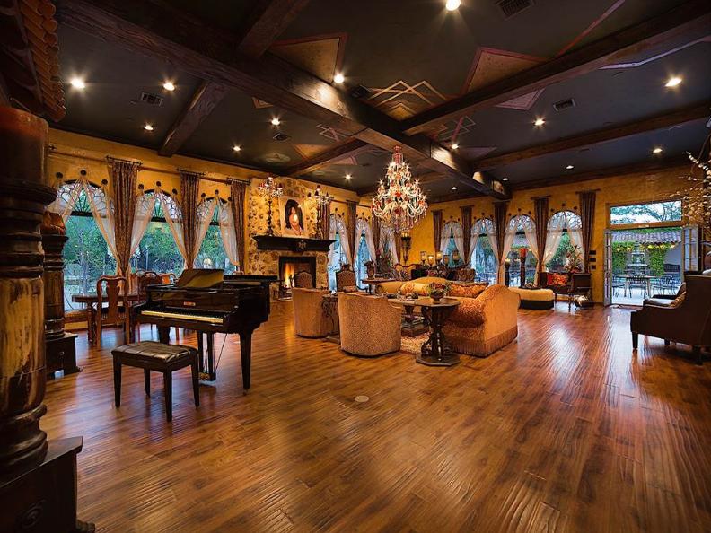 Michael jackson ancora in vendita villa thriller for Piani casa hacienda