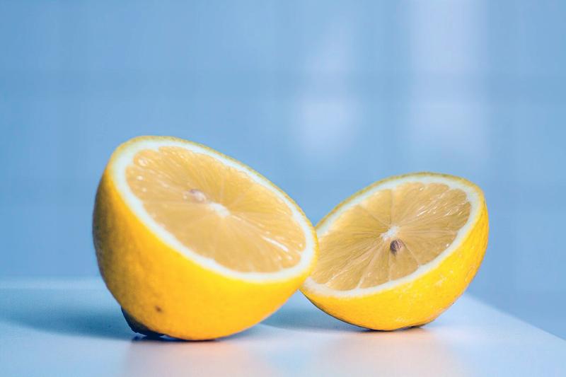 pulire-fornello_limone