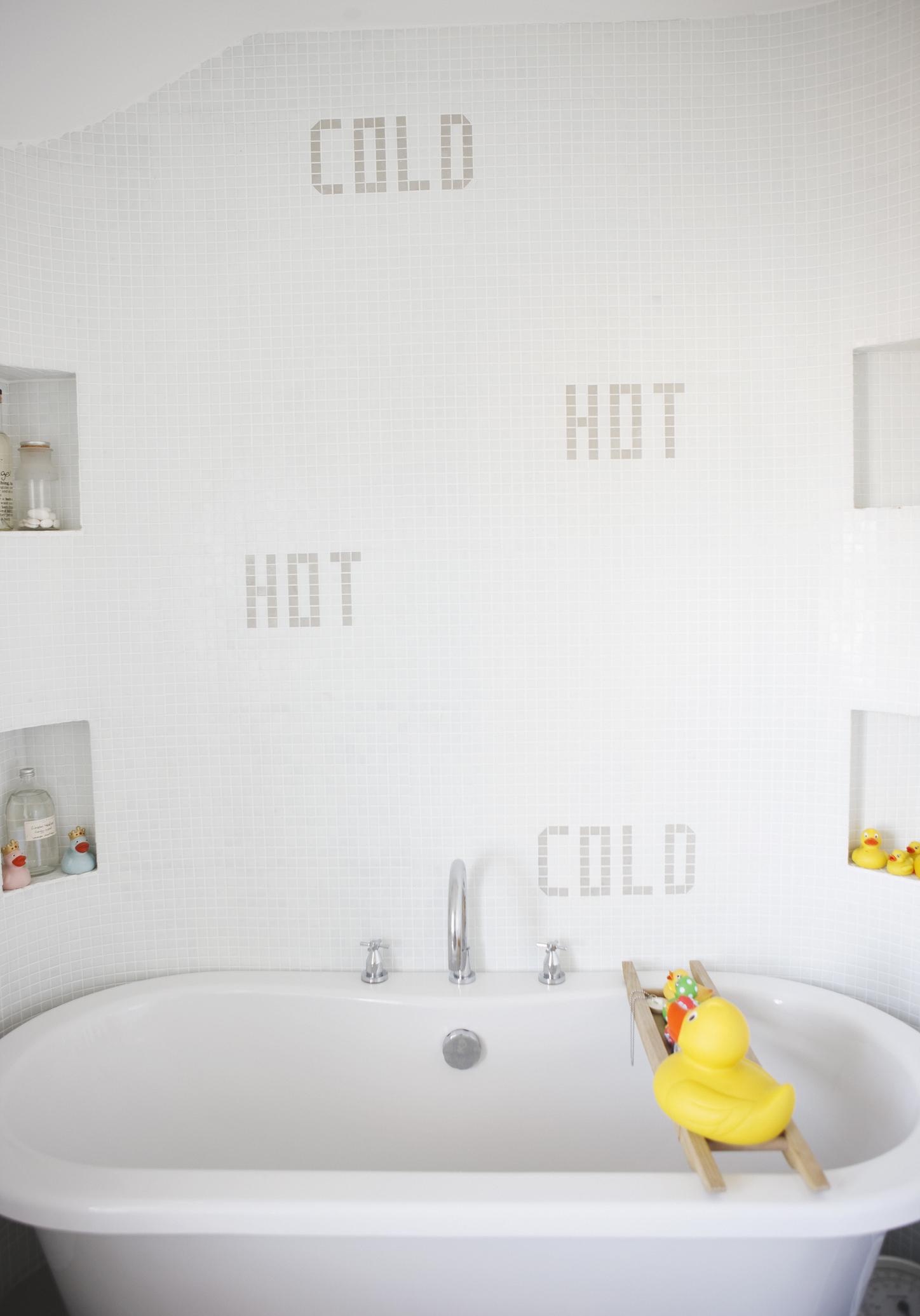 Molto Nuove idee e consigli per progettare e arredare un bagno piccolo  TL08