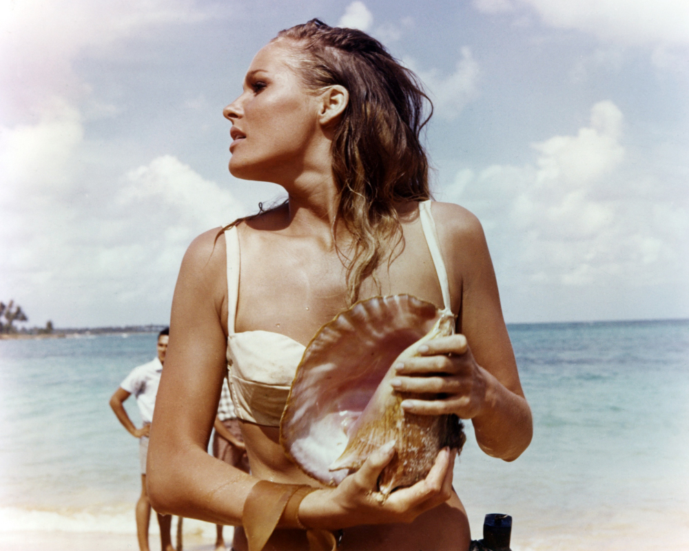 ursula andress 007
