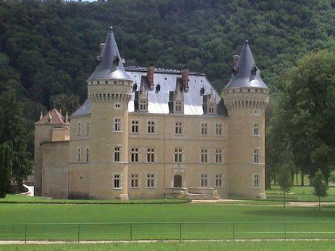 Castello di Cornod - In vendita su Casa.it International