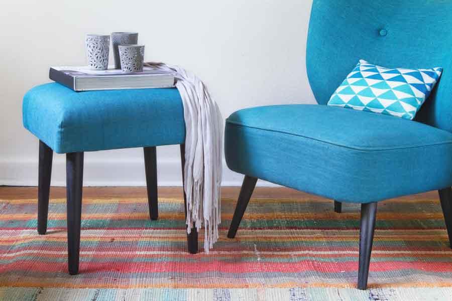Scegliere il divano adatto per uno spazio piccolo - Piccolo divano imbottito ...