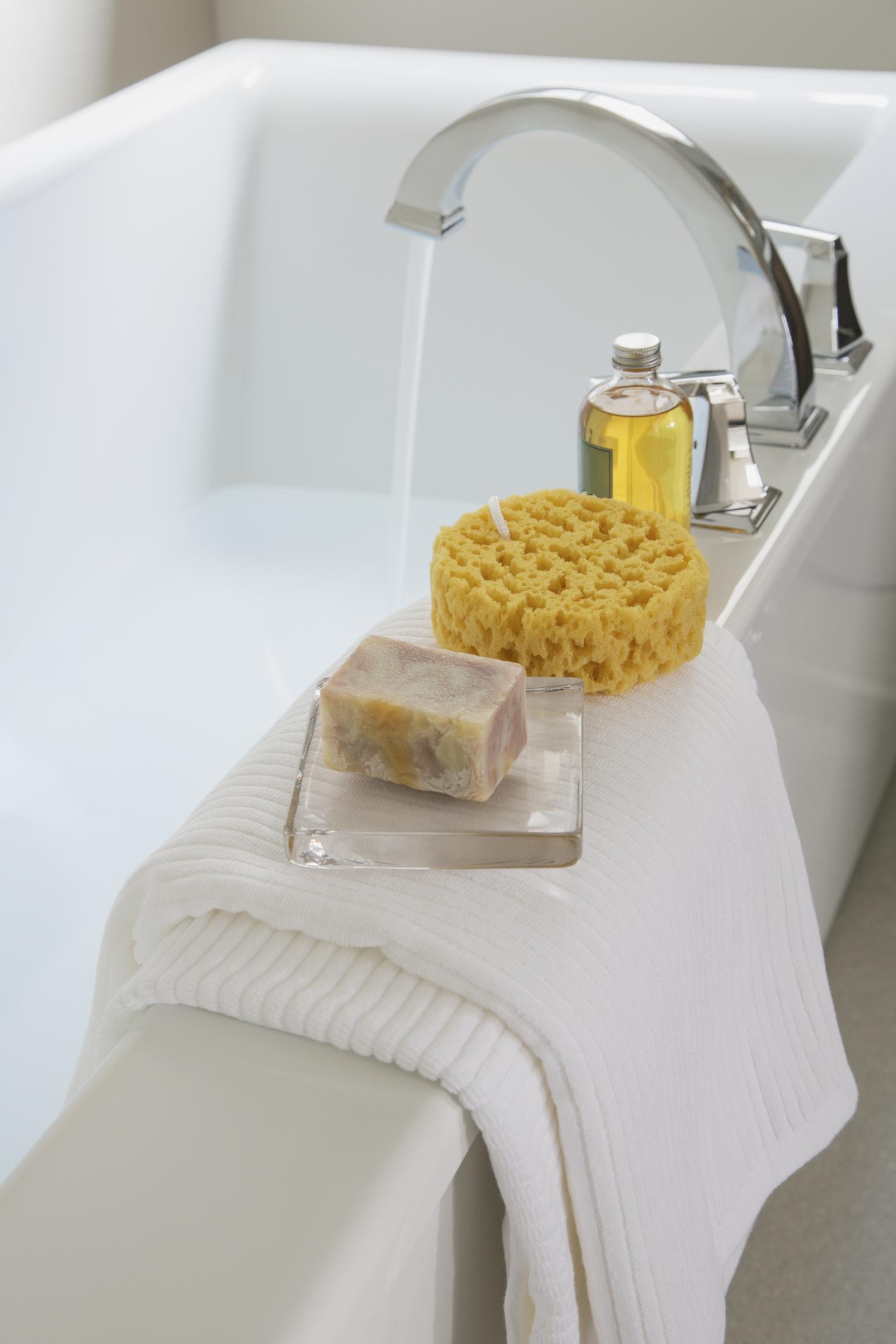 Memo 5 cose da sostituire con frequenza in bagno - Spugne da bagno ...