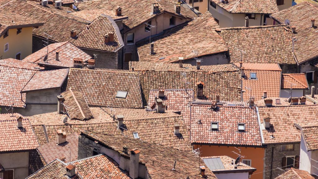 roofs-919460_1280