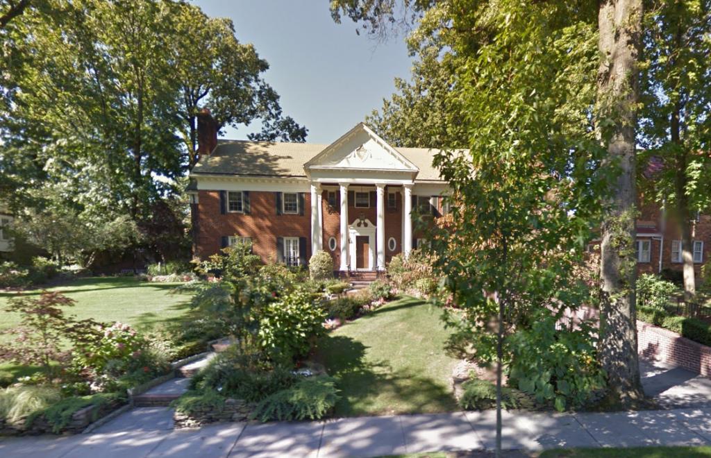 La casa di Trump al 8514 di Midland Pkwy, Jamaica, NY - Fonte: Google Maps