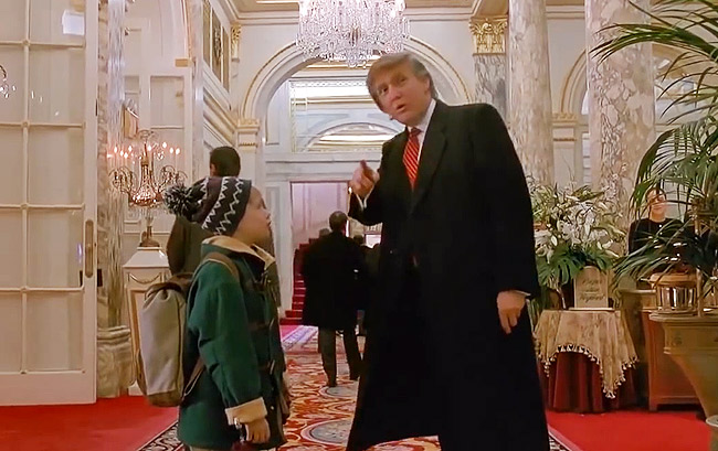 Trump al Plaza in una scena del film Mamma ho perso l'aereo 2