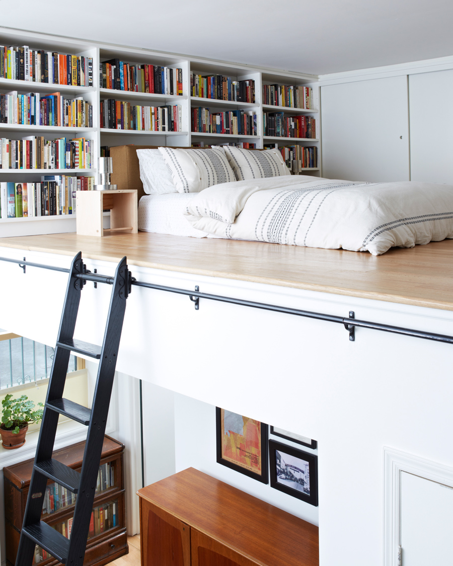 15 bellissime idee per il soppalco How to store books in a small bedroom