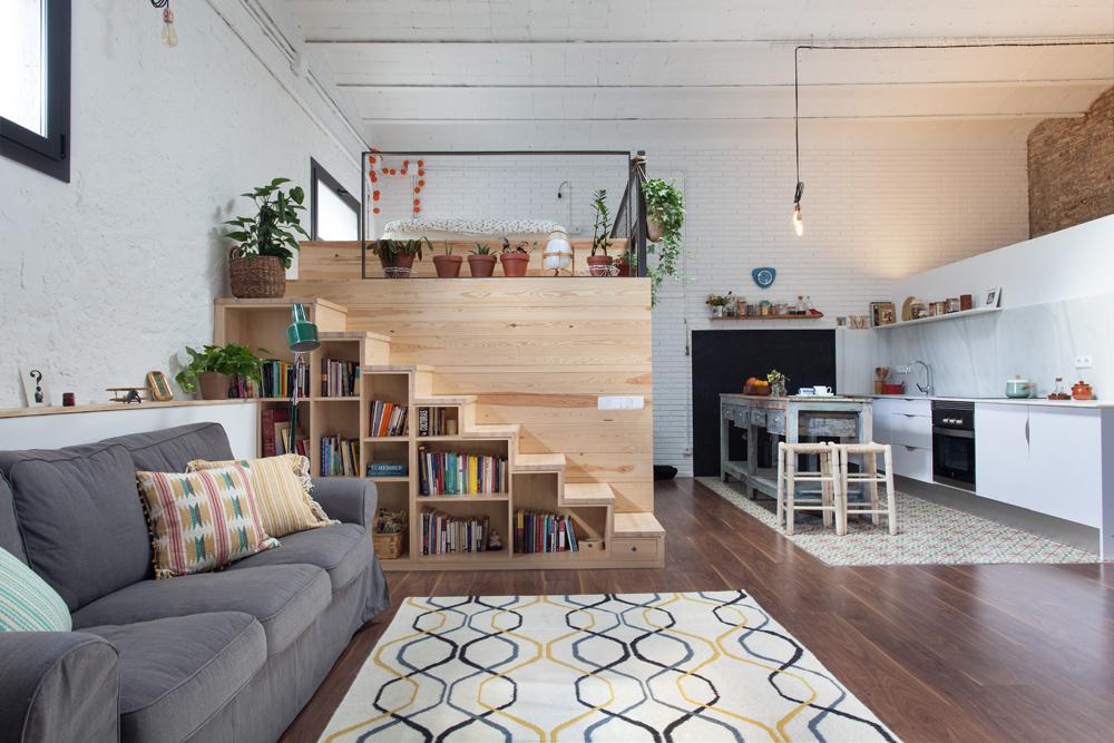 Un garage di 60 mq trasformato in un loft for Foto loft arredati