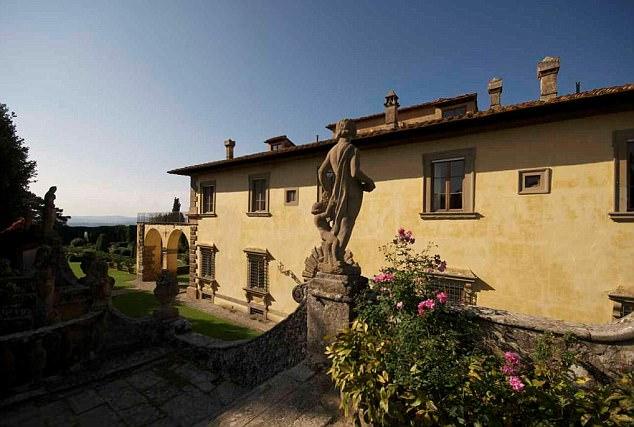Le case pi costose del mondo in classifica anche una for Piani di casa in stile adobe di lusso