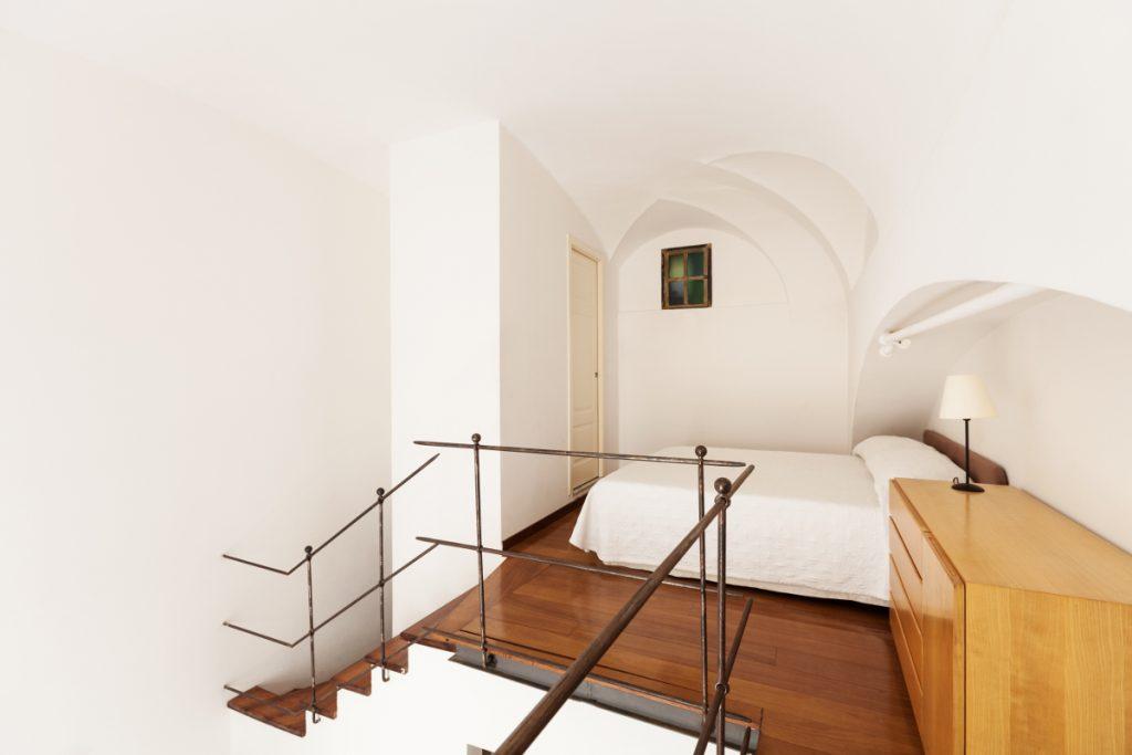 interior home, nice bedroom, simple furnishings