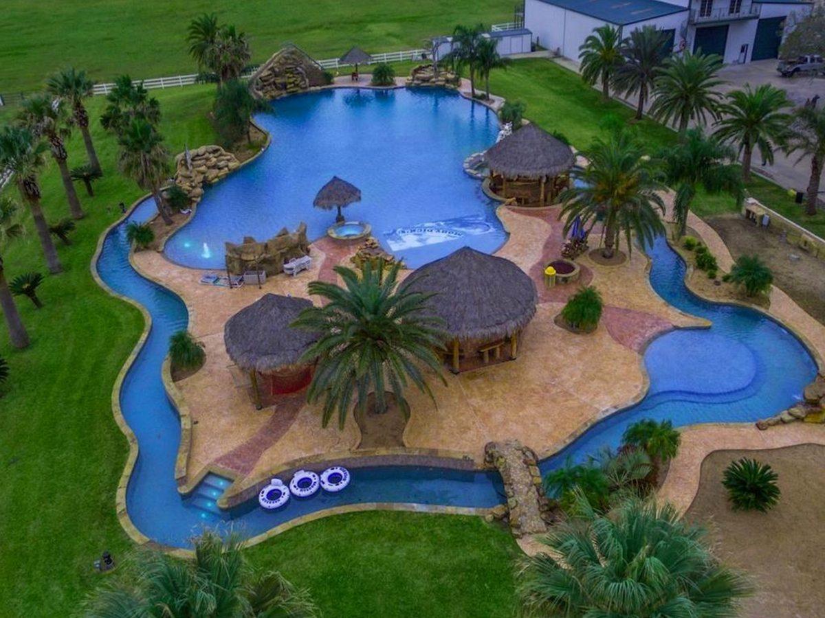 In vendita la villa con la piscina pi grande del mondo - Homes for sale with swimming pool el paso tx ...